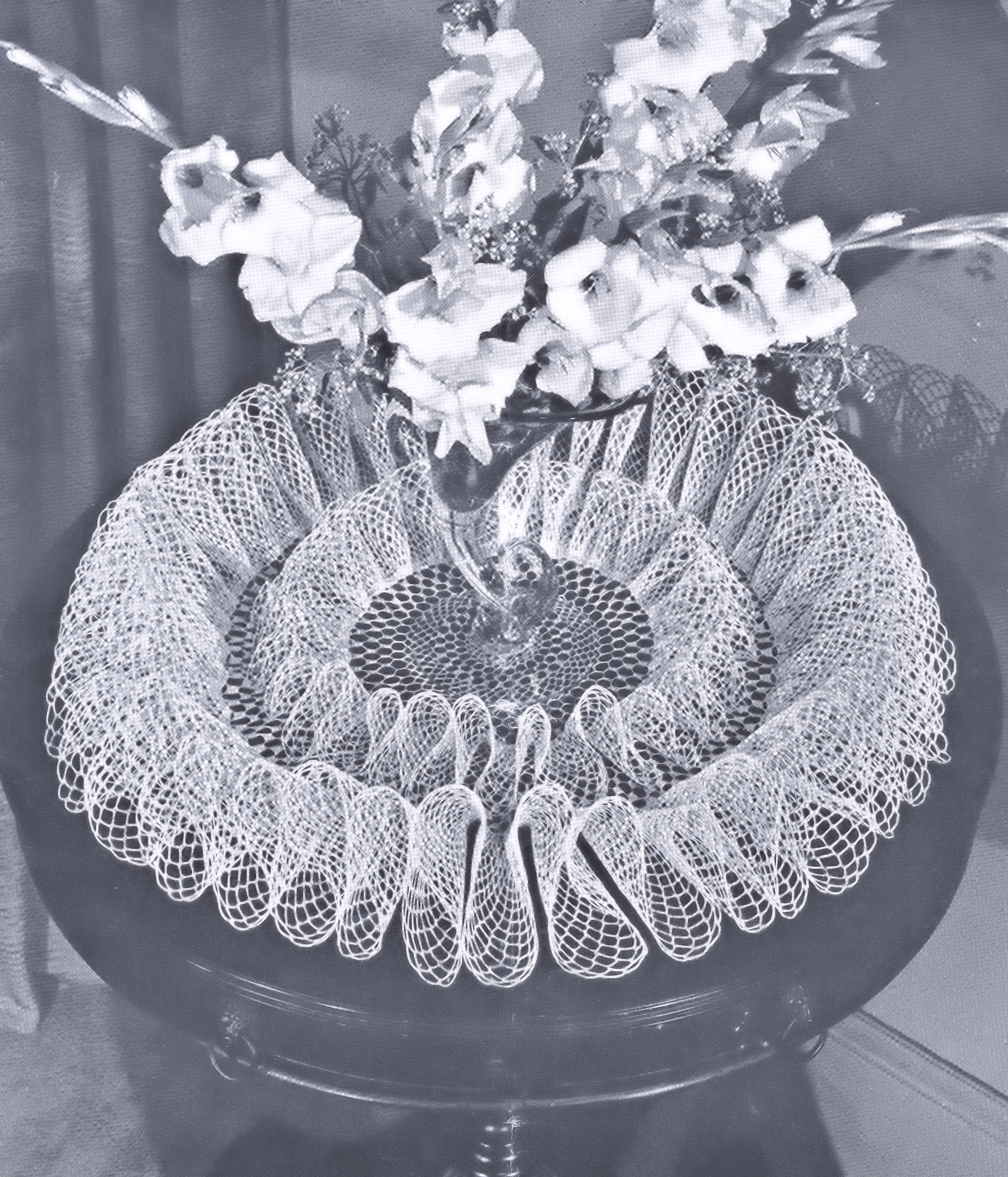 2014 vintage crochet projects free vintage crochet doily patterns free frou frou ruffle doily pattern bankloansurffo Image collections